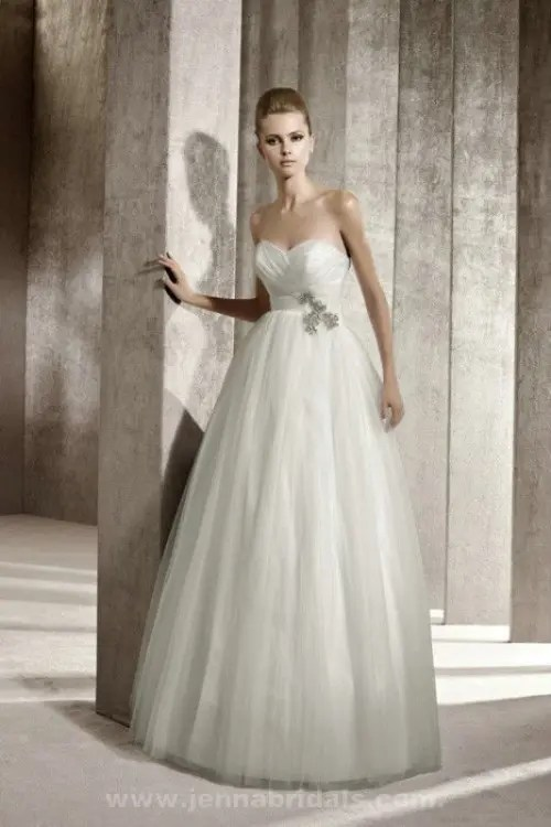 25 Airy And Romantic Empire Waist Wedding Dresses  Weddingomania