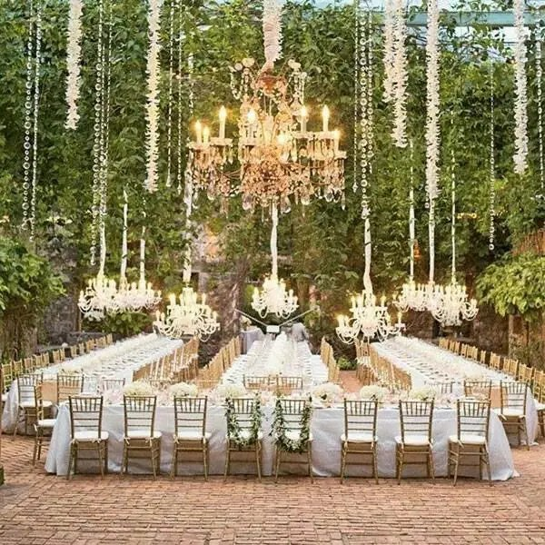 Picture Of Glamorous Chandeliers Wedding Decor Ideas 13