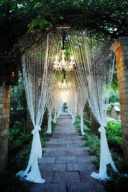 Picture Of Glamorous Chandeliers Wedding Decor Ideas 8