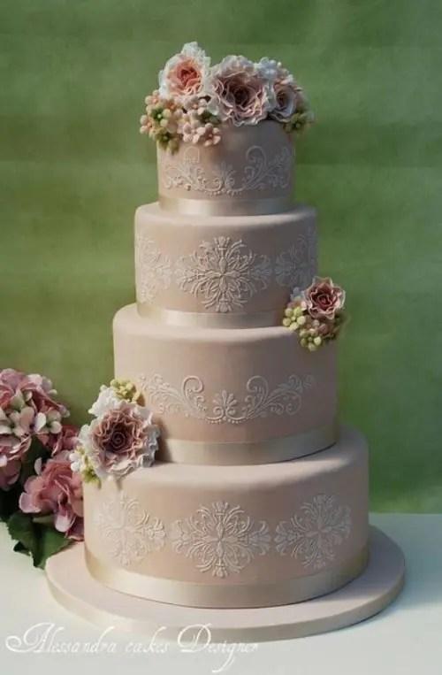 30 Chic Vintage Style Wedding Cakes With An Old World Feel  Weddingomania