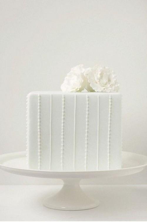 34 Pretty OneTier Wedding Cakes To Get Inspired  Weddingomania