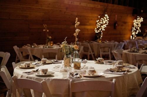 44 Beautiful Barn Wedding Table Settings