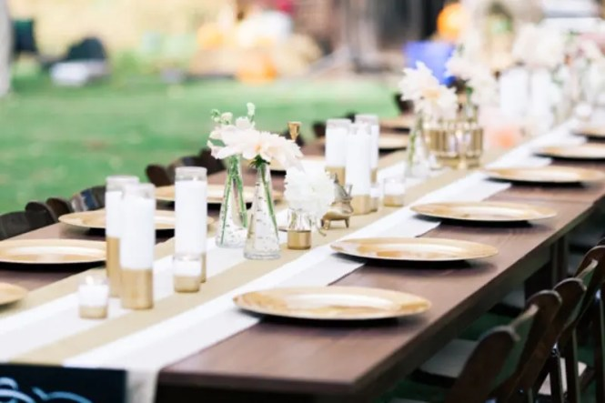 Decoration Marvelous Round Shaped Wedding Dining Table Enhanced With Glorious Diy Decorations Showing Neat