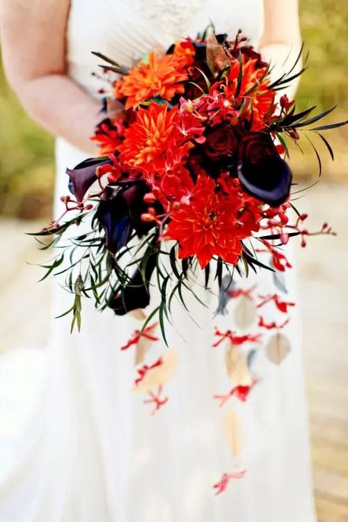 34 Halloween Wedding Bouquets With Dark Romance Touches
