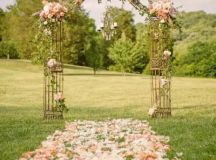 30 Incredibly Beautiful Spring Wedding Arches - Weddingomania