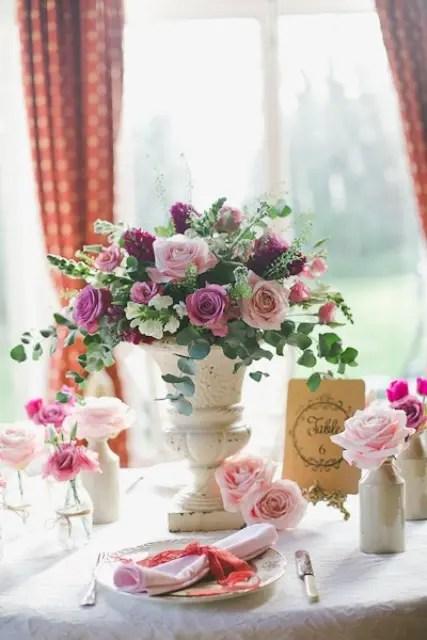33 Inspiring Valentines Day Wedding Centerpieces