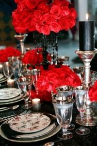41 Spooky But Elegant Halloween Wedding Table Settings ...