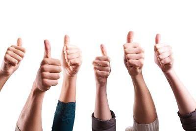 Что означает у кавказцев палец вверх. Что означает поднятый вверх  указательный палец? Расшифровка значения жеста в разных ситуациях