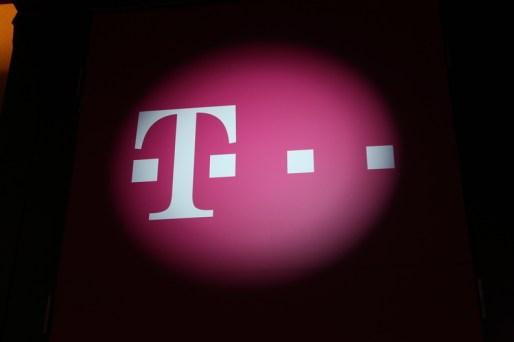 Telekom Romania anunţă fuziunea tuturor operaţiunilor sale mobile sub aceeaşi umbrelă
