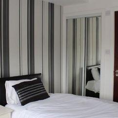 Dream Sofas Wishaw Diy Outdoor Sofa Table Hls Wellington En Suite Apartment North Lanarkshire United Kingdom From 93 Hotelmix