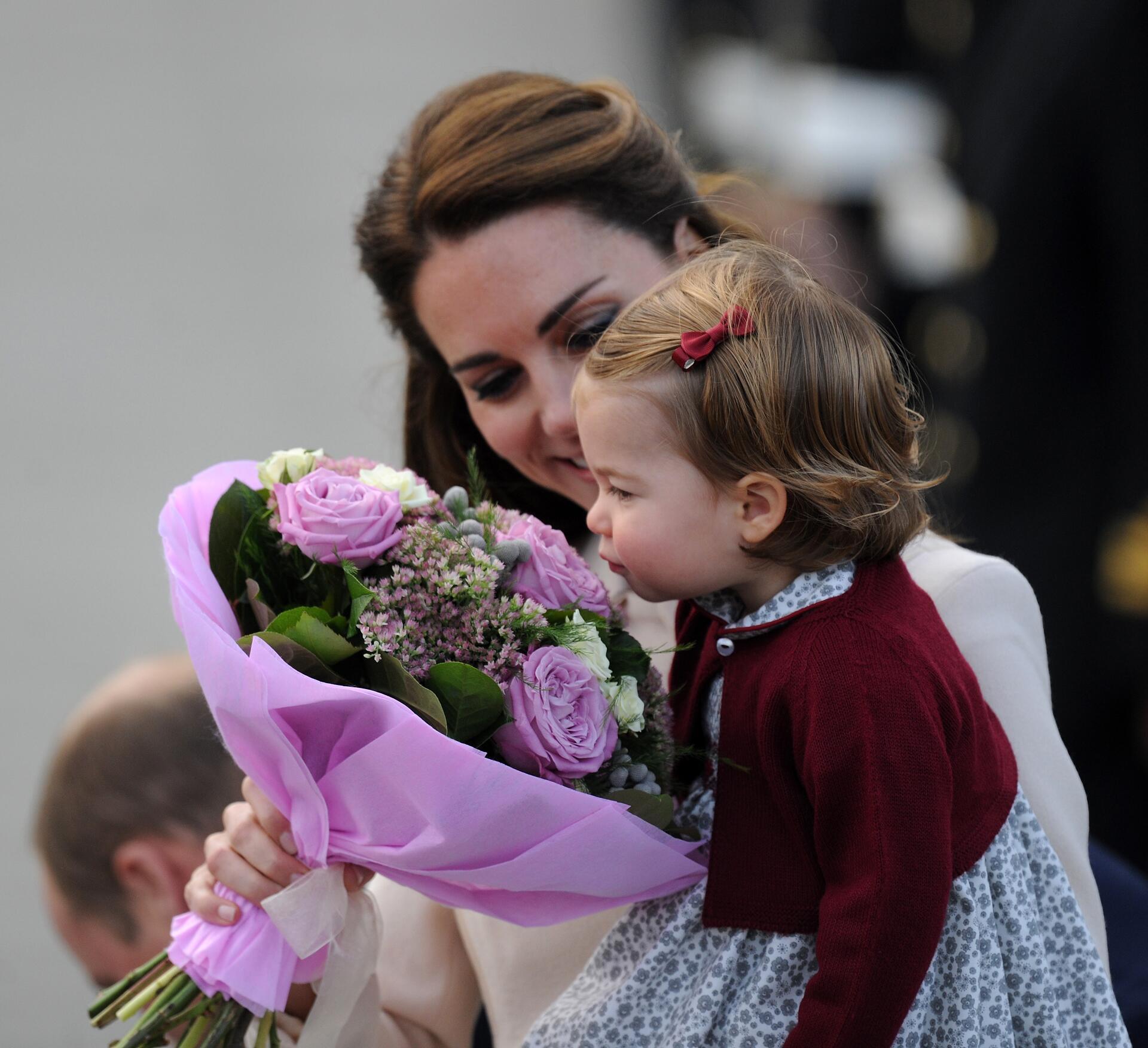 Prinz George und Prinzessin Charlotte Mit den MiniRoyals