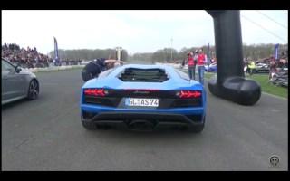 日产GTR R35 vs兰博基尼AVENTADOR加速度声音