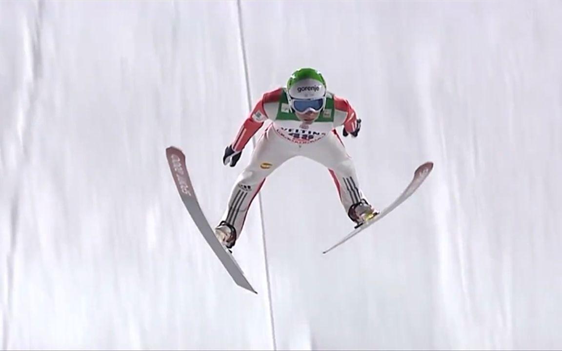 恐怖的跳臺滑雪失誤。40度斜坡飛躍。這畫面看呆所有人!_嗶哩嗶哩 (゜-゜)つロ 干杯~-bilibili