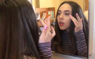 美国女孩帮中国留学生化妆,光是她的颜值就是享受!