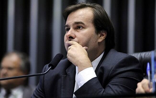 Presidente da Câmara dos Deputados, Rodrigo Maia pretende começar as votações das MPs nesta segunda-feira (15)