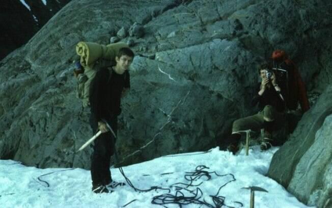 Na juventude, Eavis explora geleira em viagem que despertou sua paixão pela espeleologia