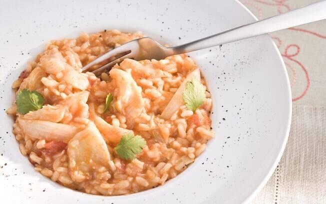 Risoto de tomate com bacalhau