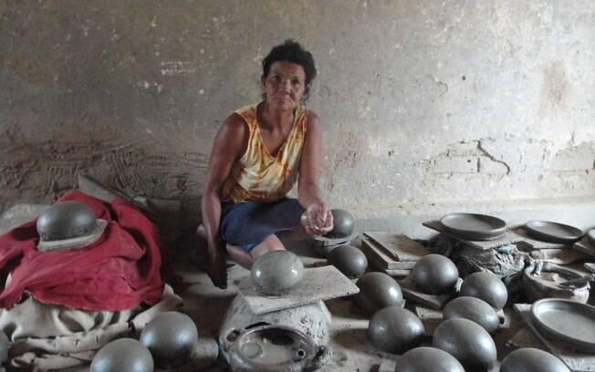 Evangelina Martins de Souza é artesã e beneficiária do Bolsa Família. Foto: Ricardo Galhardo/iG São Paulo