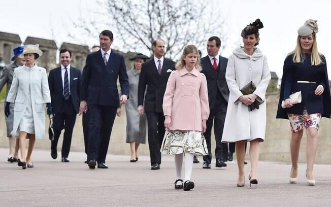 Família real britânica se encaminha para a missa de Páscoa no domingo. Foto: AP Photo/Ben Stansall, Pool