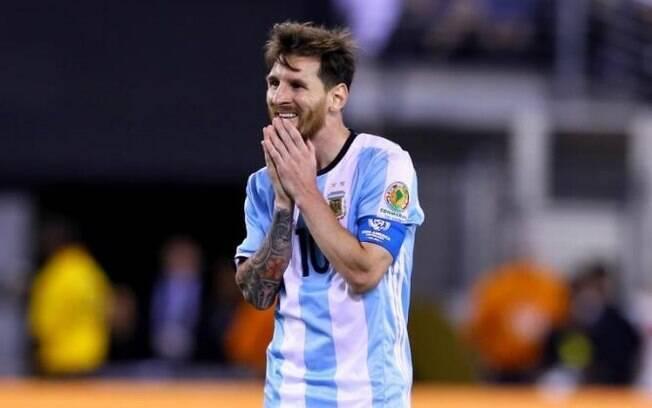 Messi é condenado a 21 meses de prisão por fraude fiscal, mas deve evitar cadeia