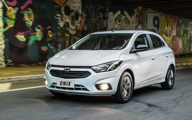 Chevrolet Onix branco