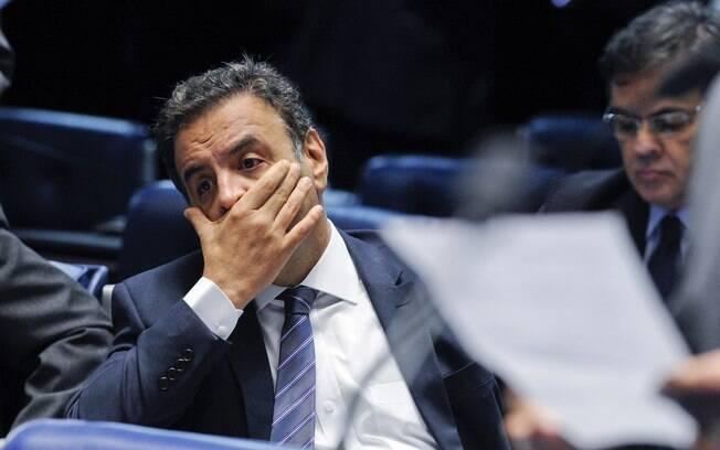Imagens mostram o flagrante da entrega de propina aos indicados do senador afastado Aécio Neves (foto) e do presidente Michel Temer