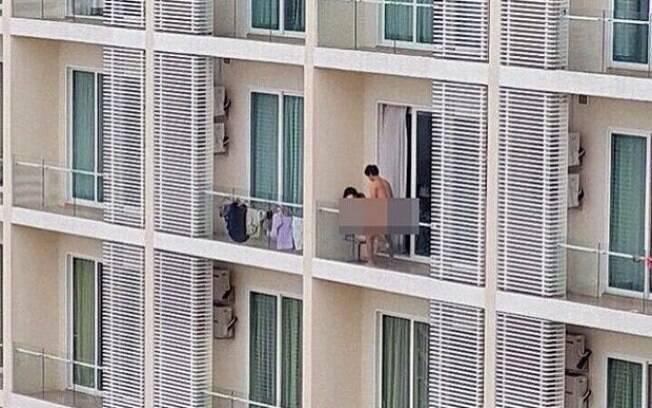 Casal faz sexo na sacada de prédio e deixa vizinhos perplexos