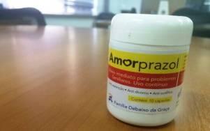 Com rótulo e nome inspirado em medicamente, o amorprazol é vendido em livrarias e lojas evangélicas virtuais. Foto: Carolina Garcia/iG São Paulo