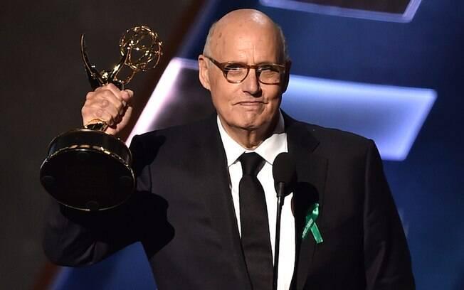 Jeffrey Tambor levou melhor ator em série de comédia por 'Transparent'. Foto: Getty Images