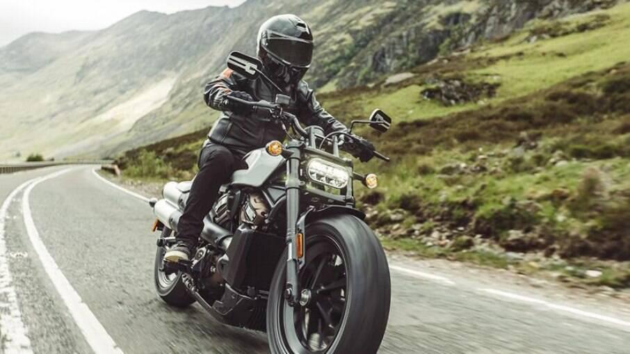 Harley-Davidson Sportster S 2022 fica mais sustentável para atender regras de emissão da Europa