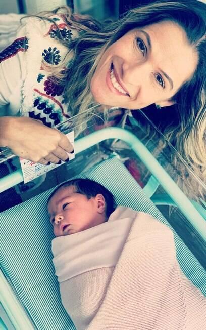 Ingrid Guimarães conhece filha de Tata Werneck