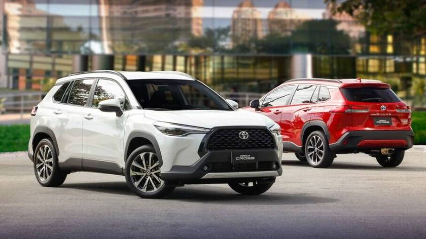 Corolla Cross is featured among mid-range SUVs;  alongside Hilux and Corolla, he is responsible for Toyota's performance