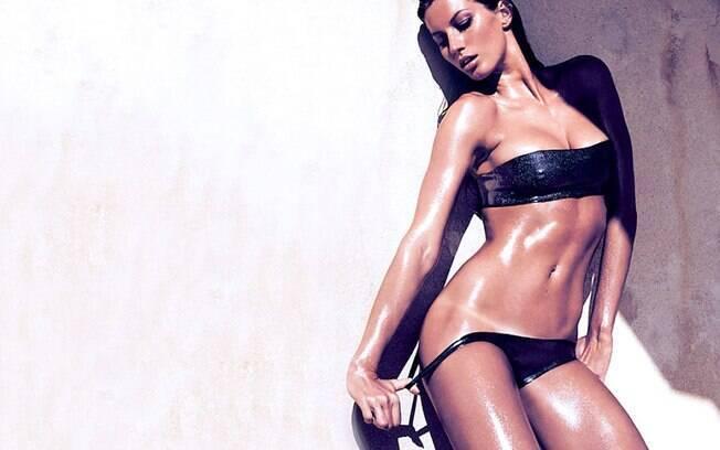Em 2006, ela apareceu com essa espetacular marquinha de biquíni . Foto: Divulgação