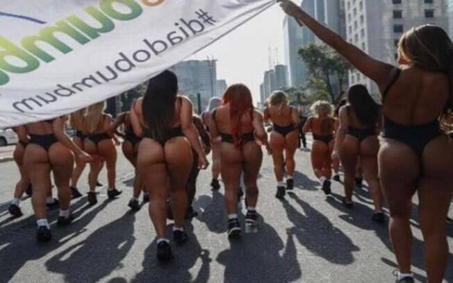 Candidatas ao Miss Bumbum participam de tradicional desfile na Avenida Paulista . Foto: Leo Franco | MBB7