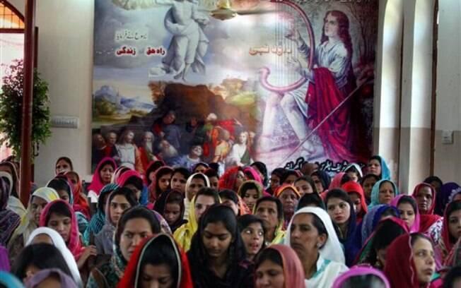 Cristãos comemoram a Páscoa no Paquistão (5 de abril). Foto: AP Photo/K.M.Chaudary