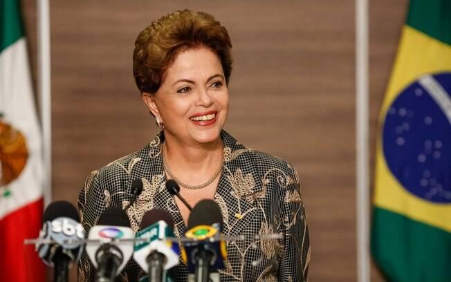 Presidenta Dilma Rousseff durante coletiva de imprensa, no México