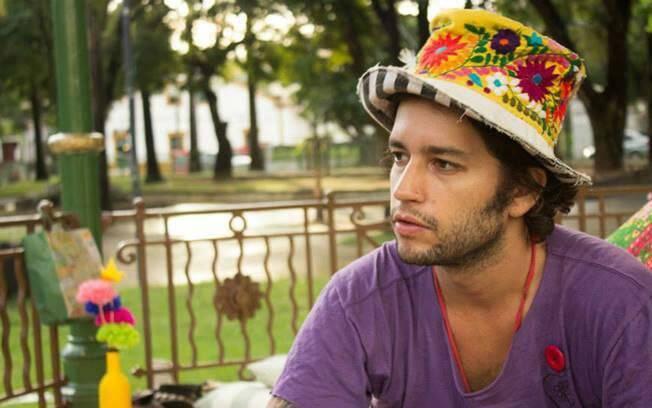 Trabalhe com algo que você gosta. Ex-empresário, Durval mudou de vida para fazer o que o deixava feliz e hoje viaja o Brasil criando chapéus. Foto: Divulgação