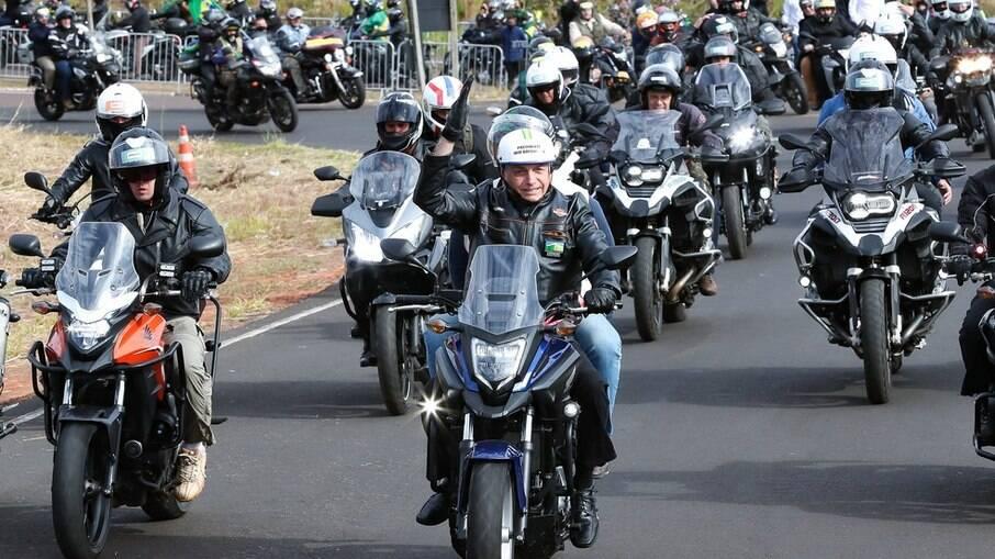 Bolsonaro faz nova motociata neste domingo, desta vez no DF
