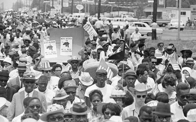 Resultado de imagem para imagens de negros protestando com rosa parks