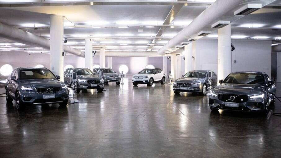 Volvo só vai ter veículos híbridos e elétricos até 2025, inclusive no Brasil, conforme a fabricante sueca