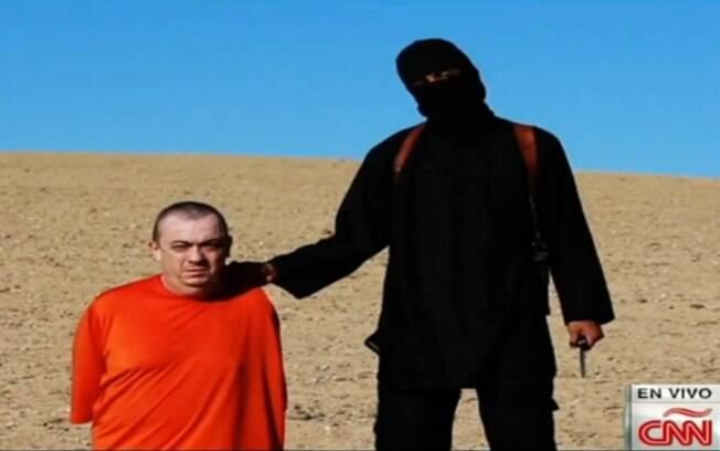 No dia 3 e outubro de 2014, o voluntário inglês Alan Henning foi decapitado pelos terroristas do Estado Islâmico. Foto: Reprodução/Youtube