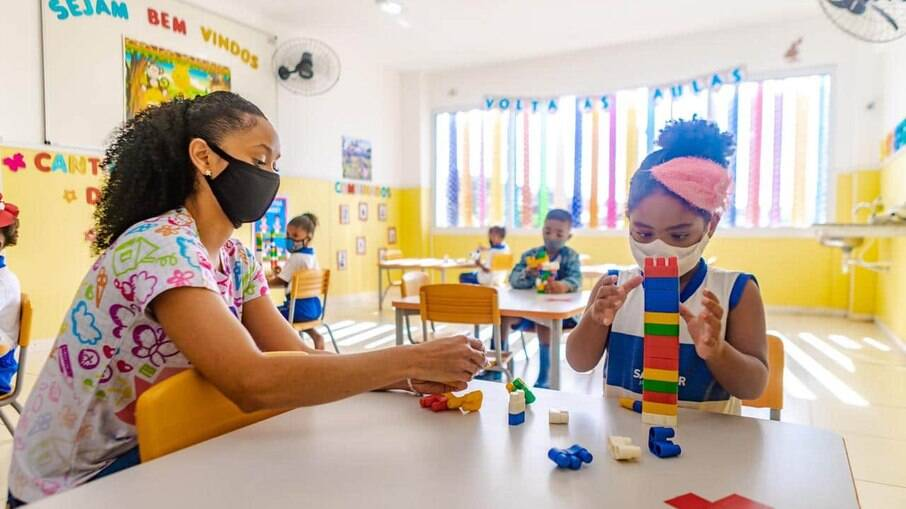 SP voltará a ter aulas presenciais obrigatórias a partir de 18 de outubro