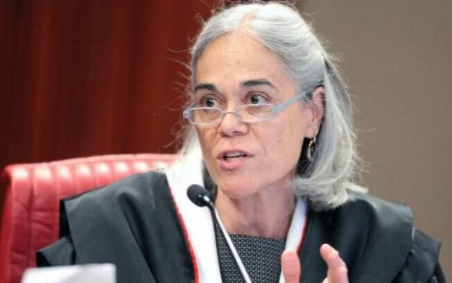 Ministra Maria Thereza de Assis Moura durante sessão plenária do TSE nesta terça; ministra havia negado andamento de ação contra Dilma que agora seguirá tramitando