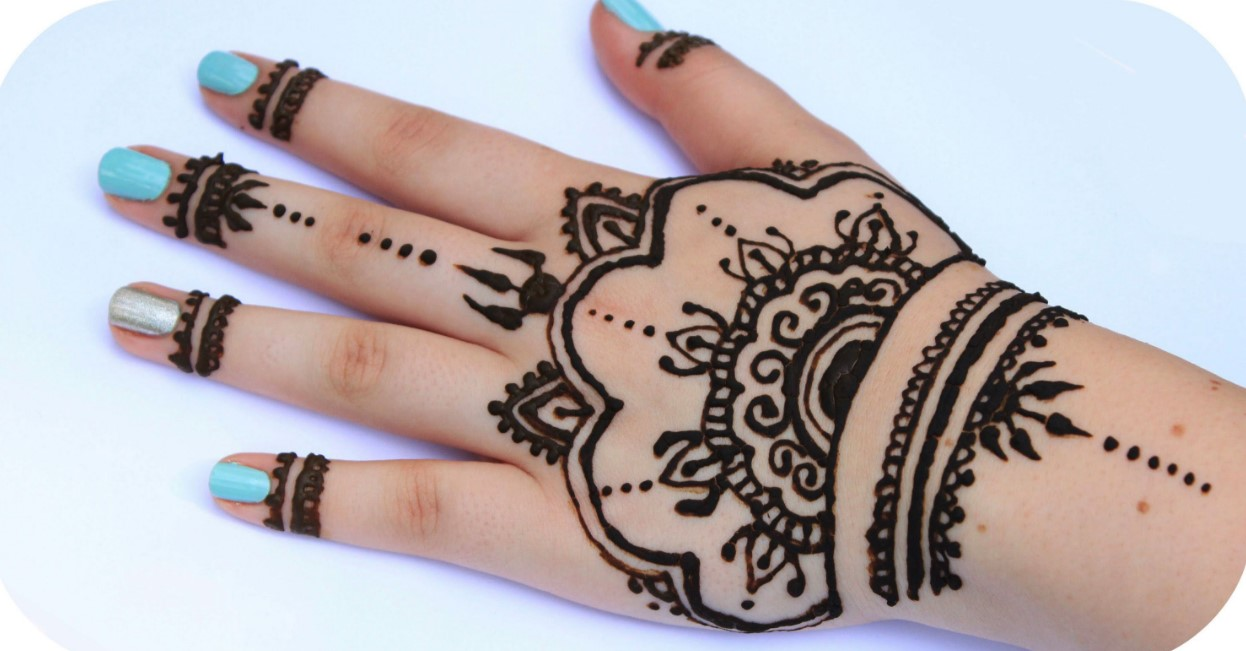 Henna Tangan Simple Dan Cantik
