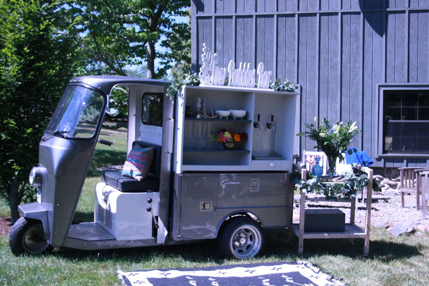 small resolution of img 1990 tips for an unforgettable wedding bar from hudson trailer company