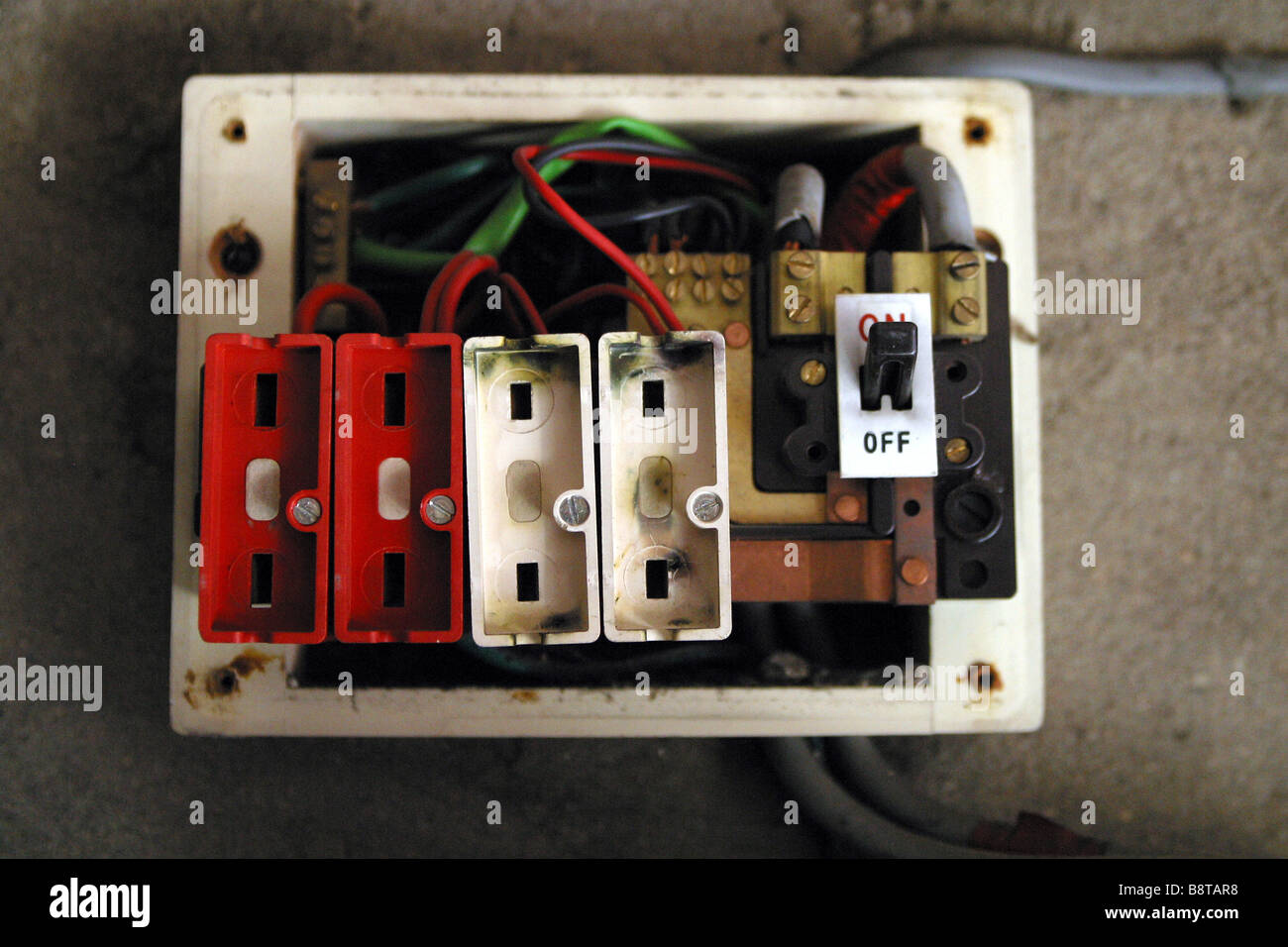 burnt fuse box home simple wiring diagram schema home fuse box replacement parts blown fuse in [ 1300 x 956 Pixel ]