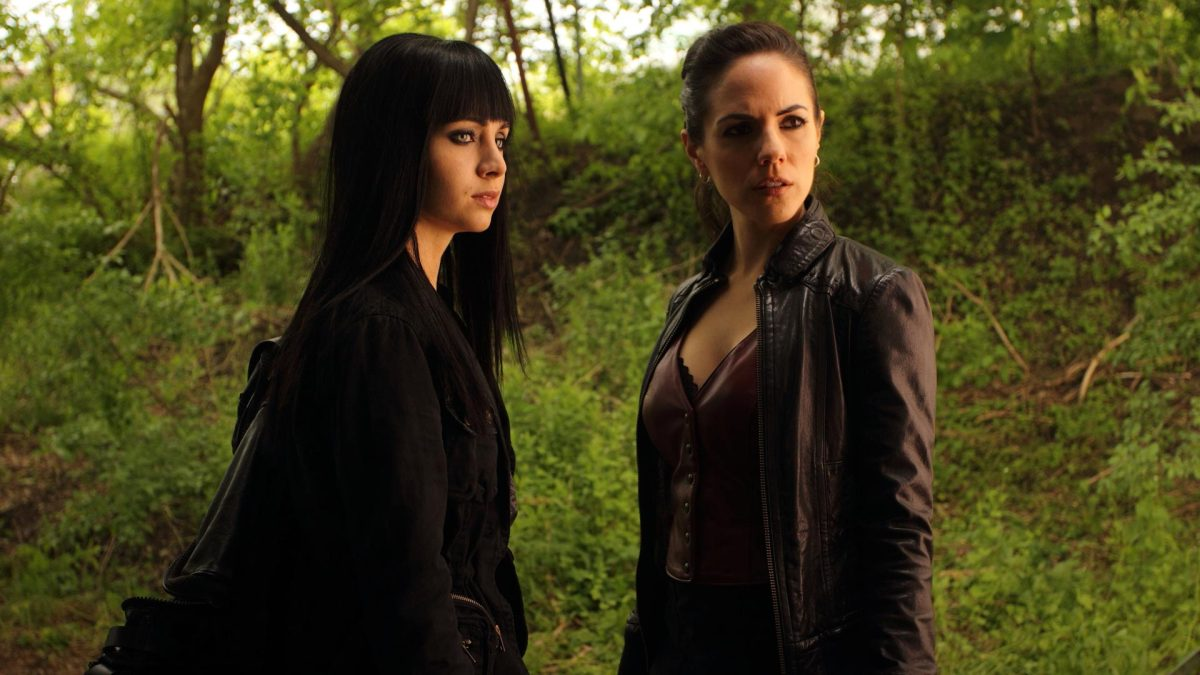 Lost Girl Kenzi Wallpaper Lost Girl Vs Xena Episode 74 Drinks At The Dal A