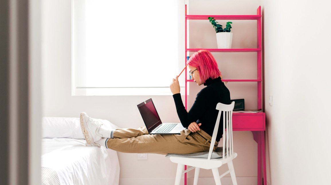 Feng Shui How To Arrange The Bed And Desk To Optimize Your Space