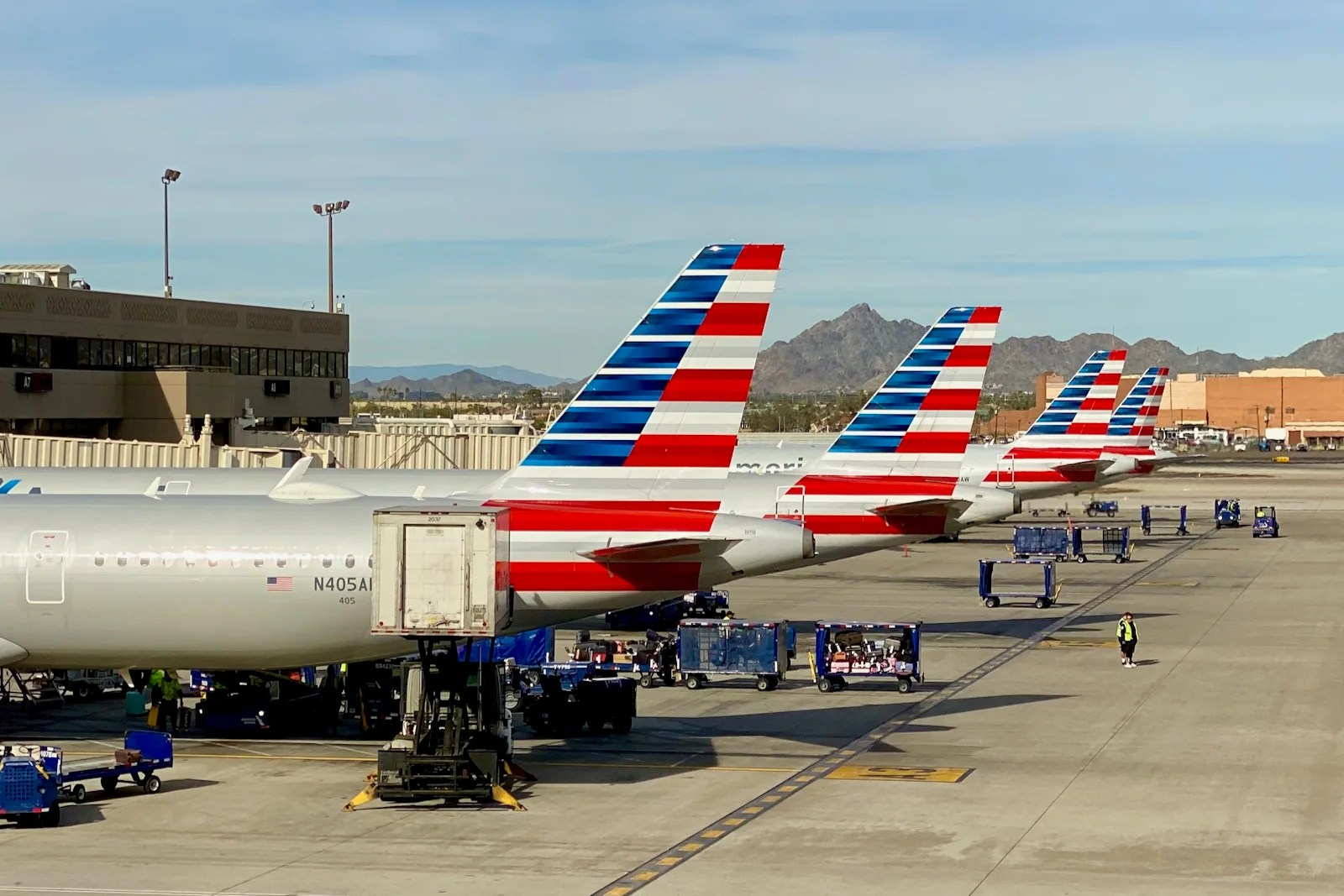 How to track American Airlines flight status