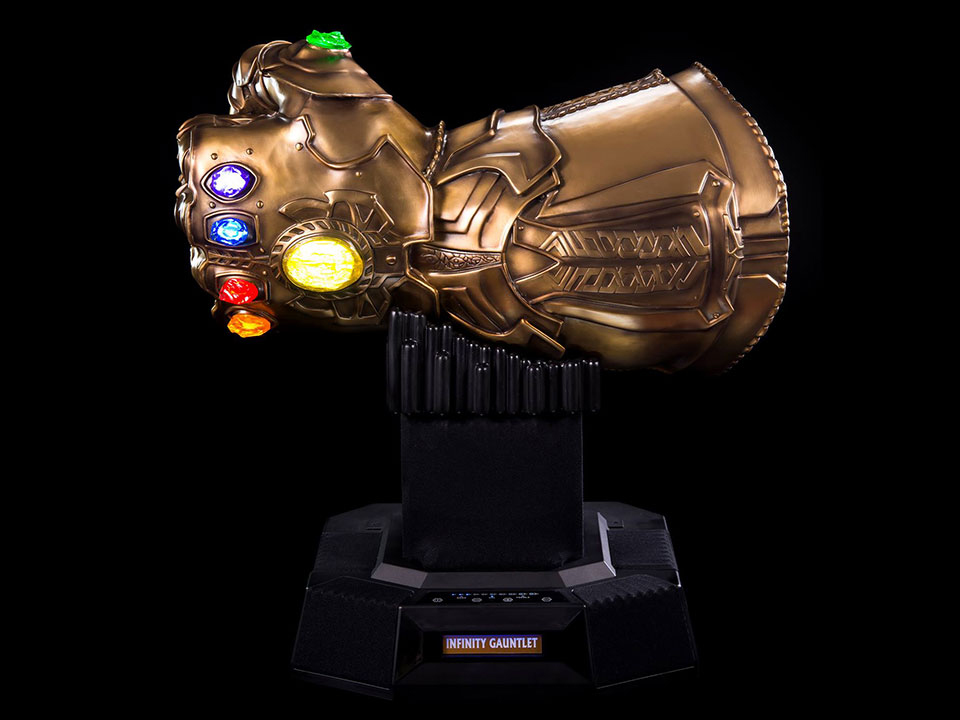 This LifeSize Infinity Gauntlet Bluetooth Speaker Has the Power of Sound